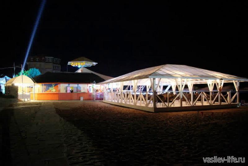 «Пляж 117» в Феодосии 10