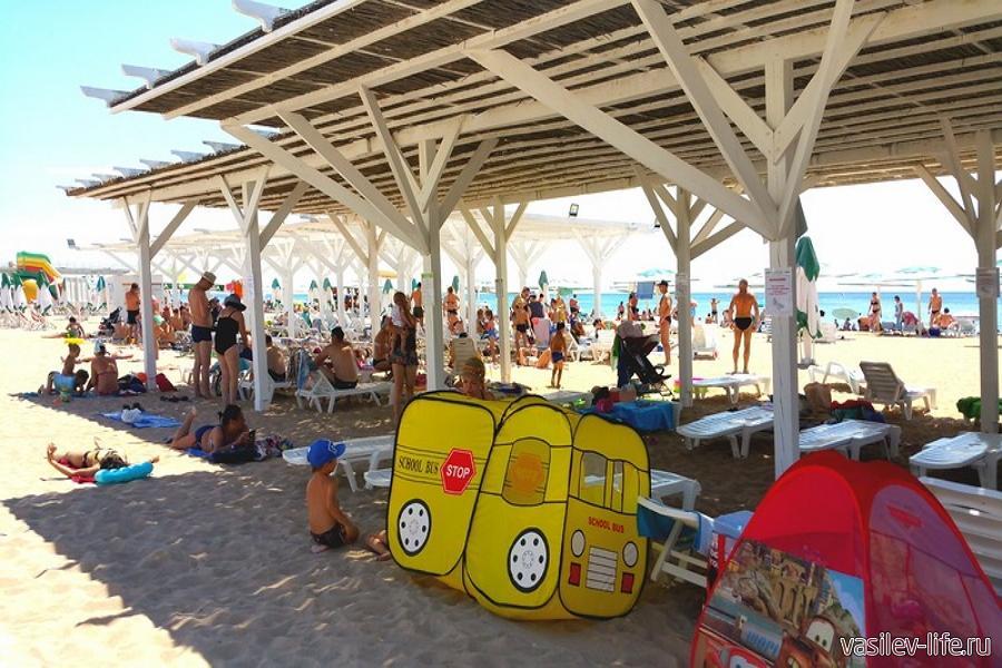 Автокемпинг «Лазурный берег» Евпатория, пляж
