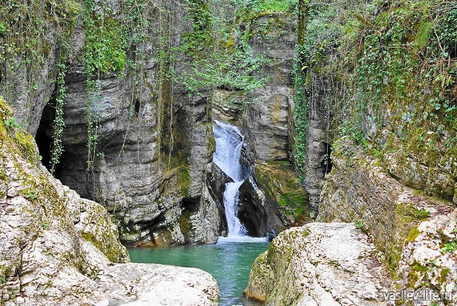 Агурские водопады