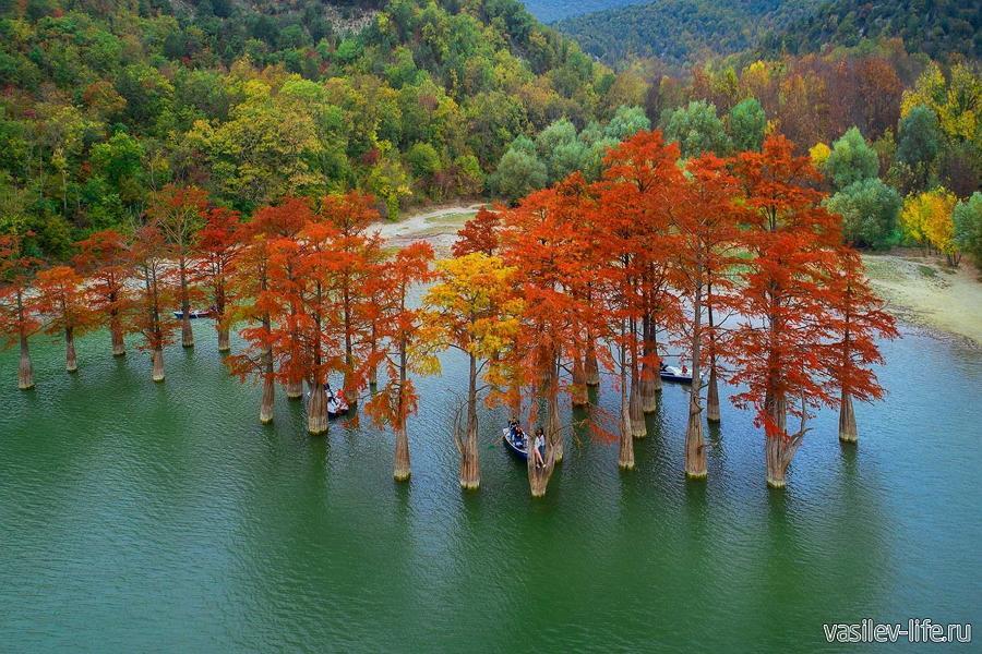 Анапа в октябре, Кипарисовое озеро