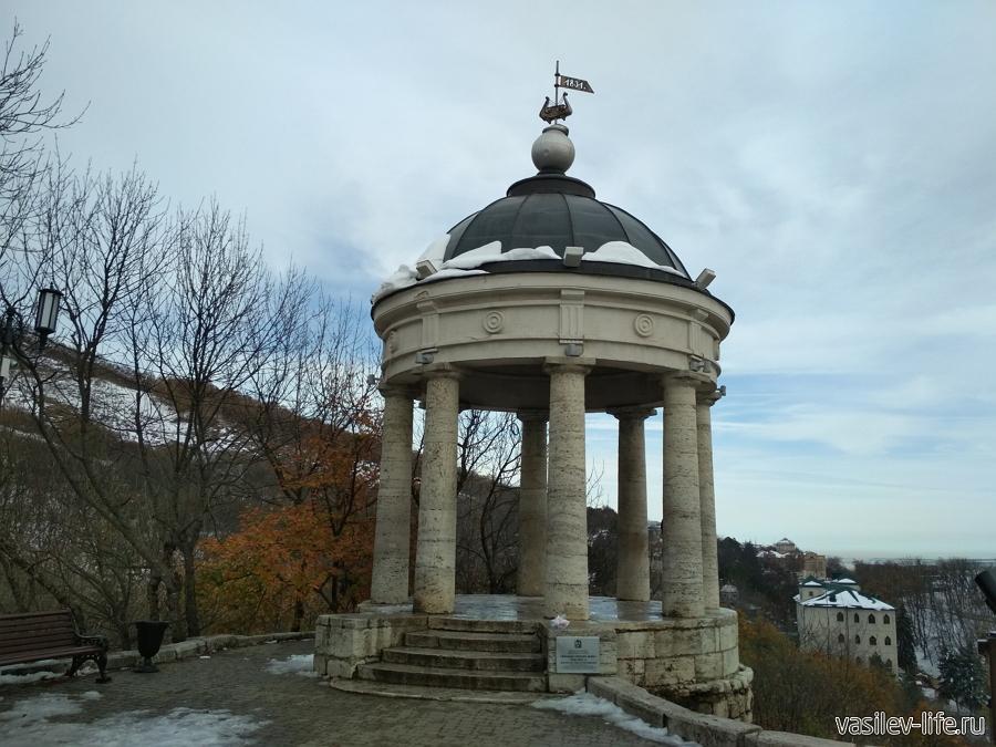 Беседка «Эолова арфа» в Пятигорске