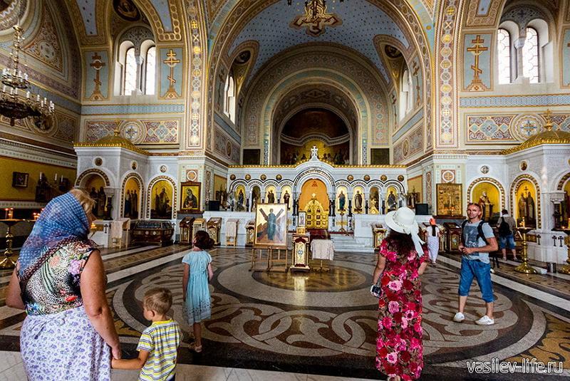 Владимирский собор в Херсонесе (внутри)
