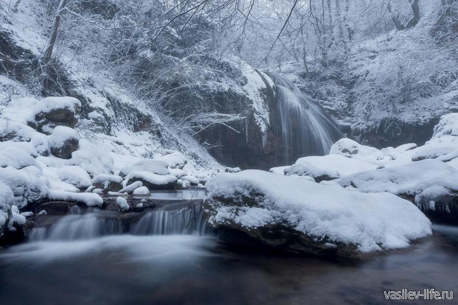 Водопад Джур-Джур в январе