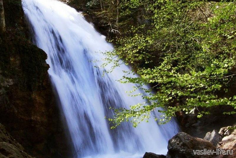 Водопад Джур-Джур (после сезона дождей)