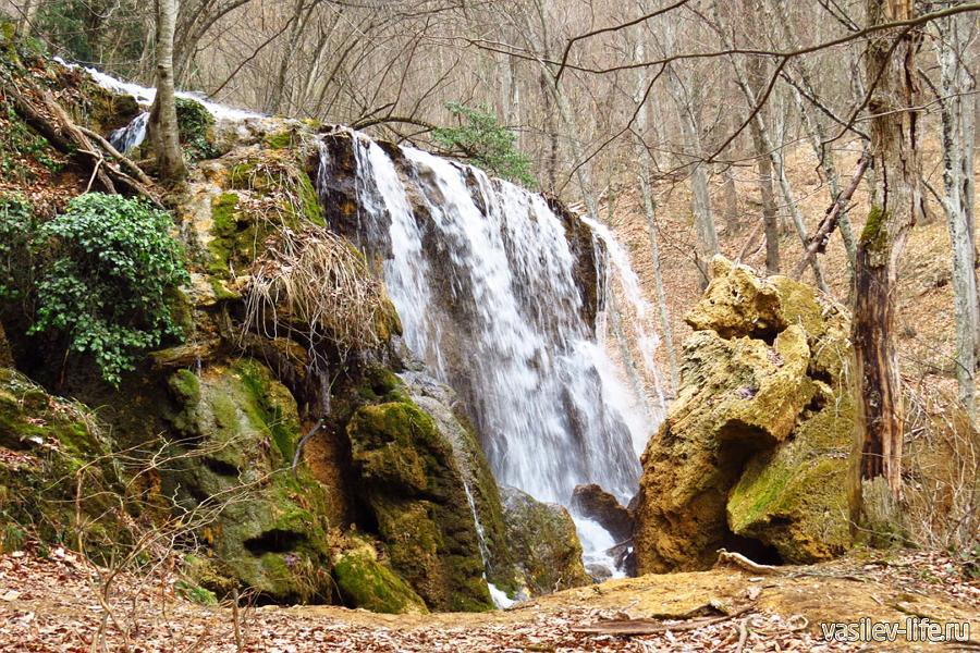 Водопад Серебряные струи, вот такой кусок отвалился
