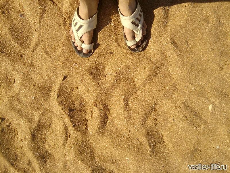 Вот такой песок здесь