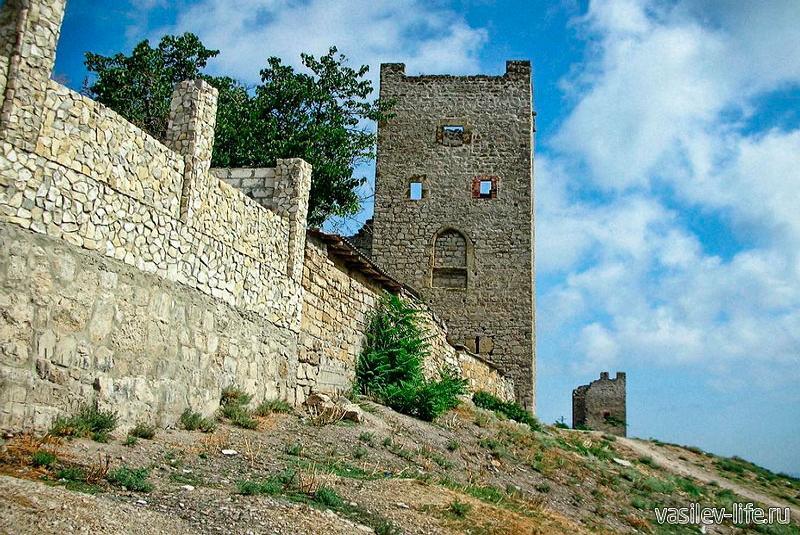 Генуэзская крепость Кафа 9