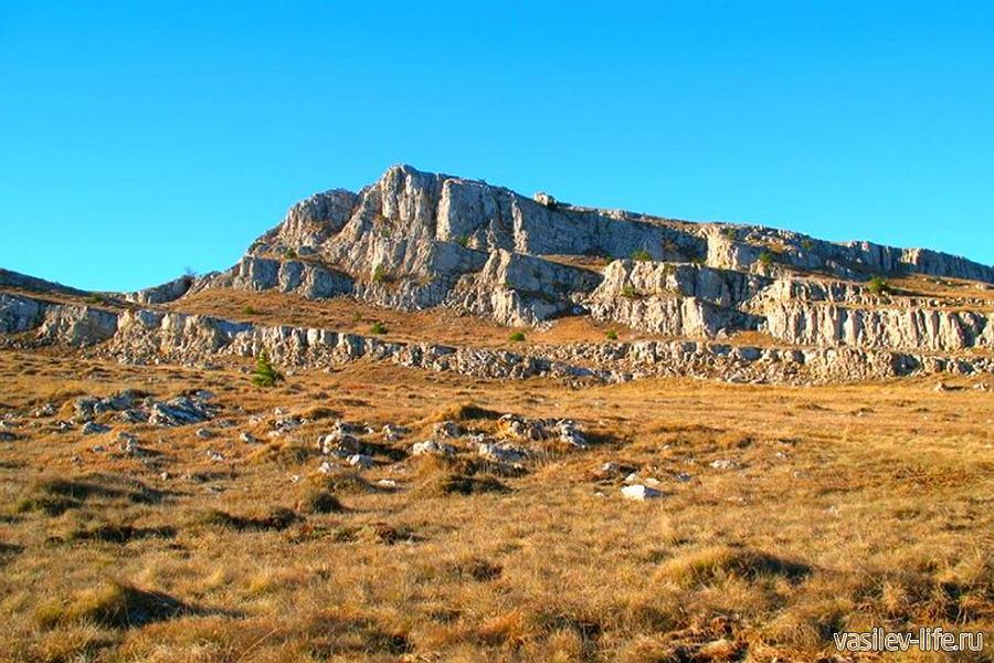 Гора Бабуган-Яйла в Крыму