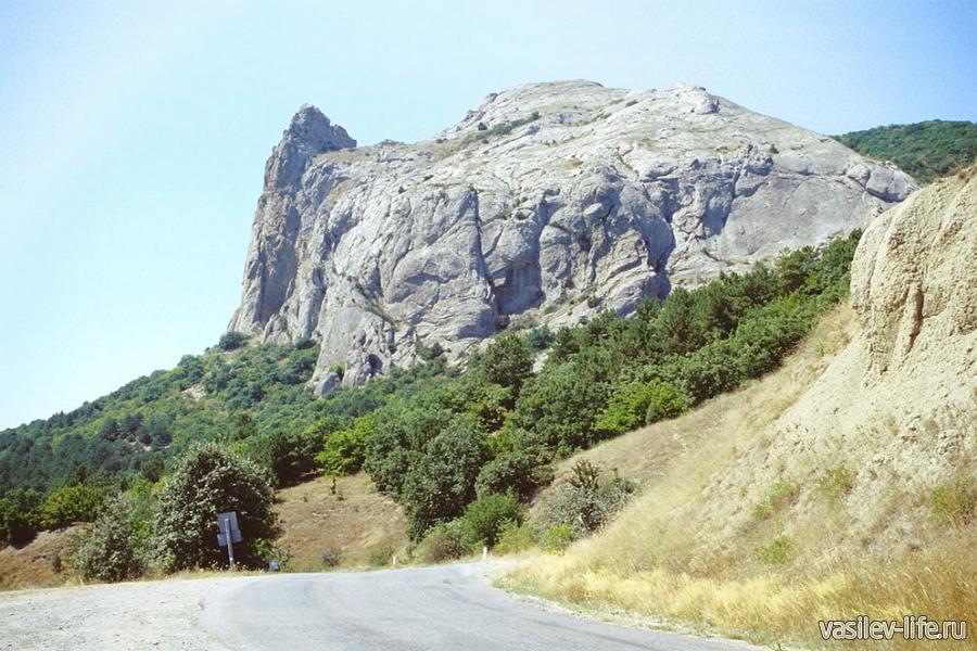 Гора Эчки-Даг в Лисьей бухте