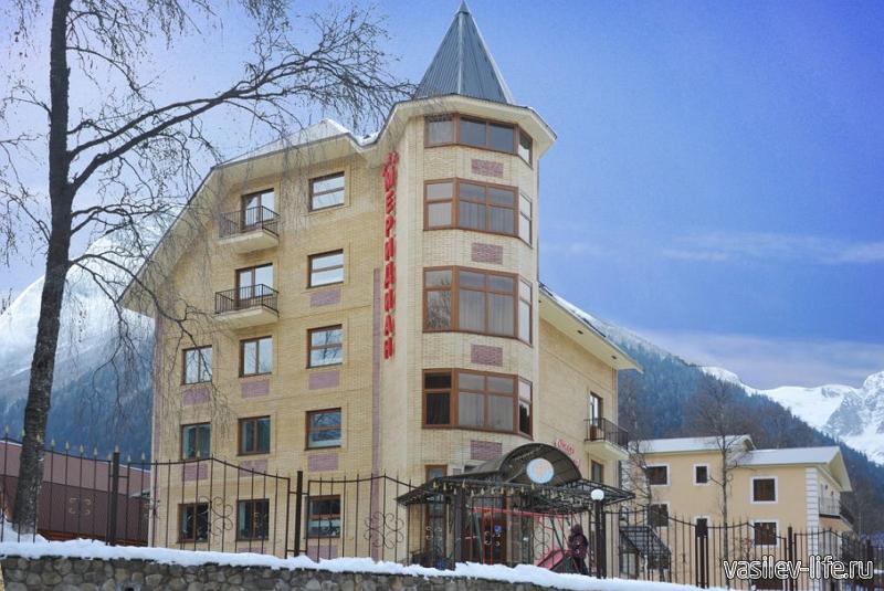 Горнолыжный курорт «Домбай», отель Меридиан