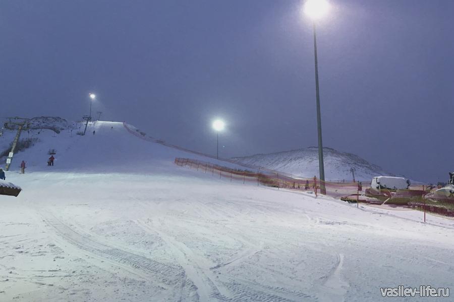 Горнолыжный курорт «Лисья гора», вечером