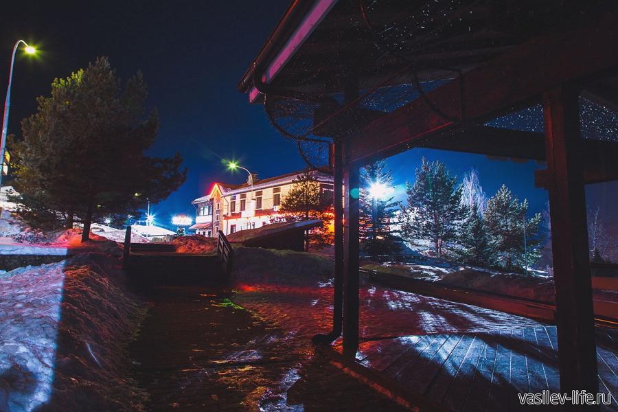 Горнолыжный курорт «Яхрома». вечером