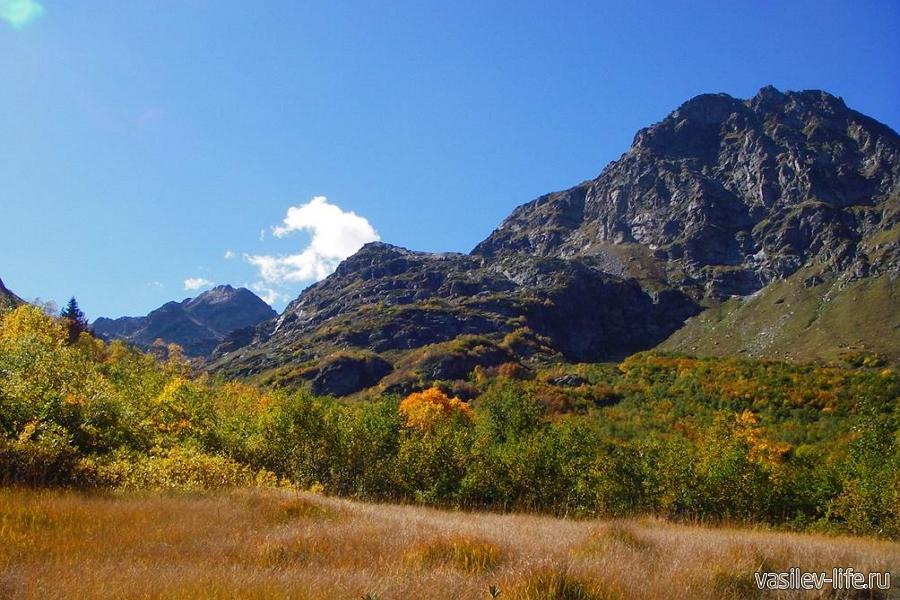 Горы Кавказа в сентябре