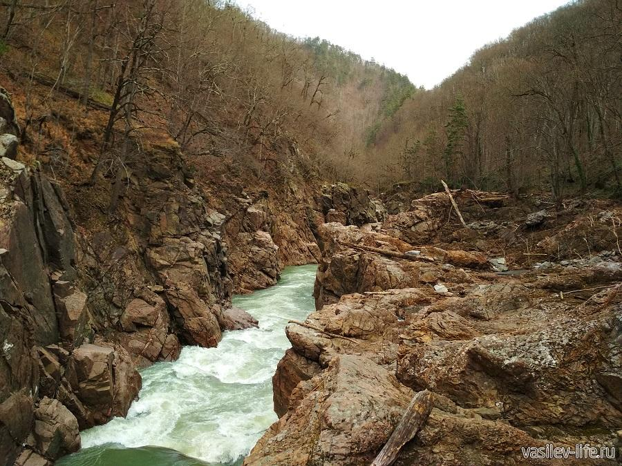 Гранитный каньон и река Белая в Адыгее