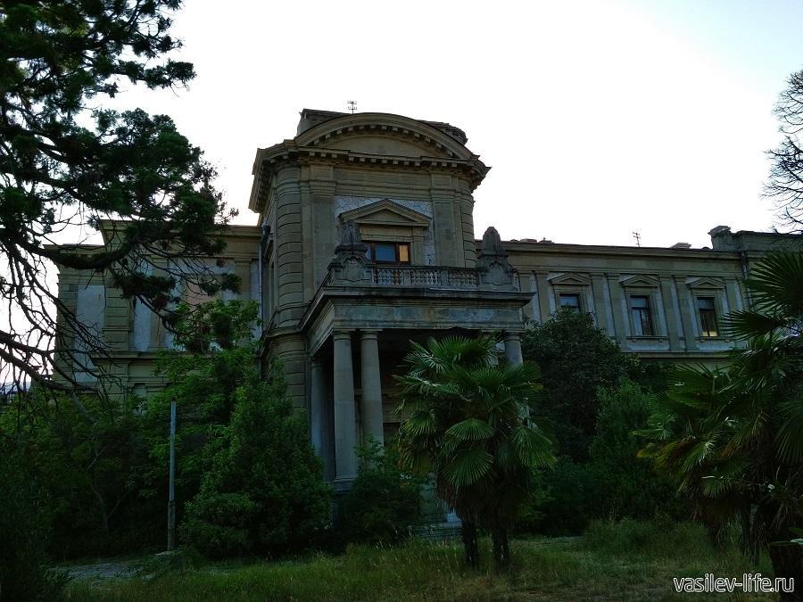 Дворец Мордвинова в Ялте (2)