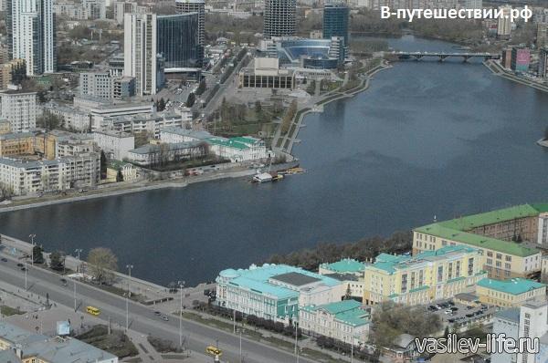 Екатеринбург-вид-с-БЦ-Высоцкий3