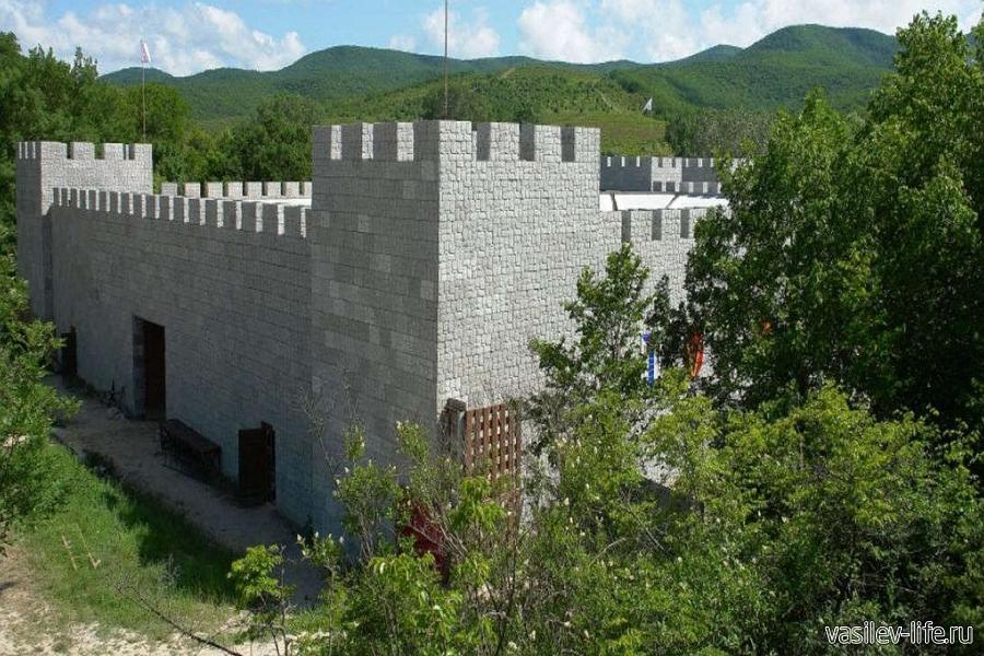 Замок Львиная голова в сентябре