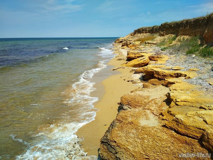 Западный берег Крыма (дикий пляж)