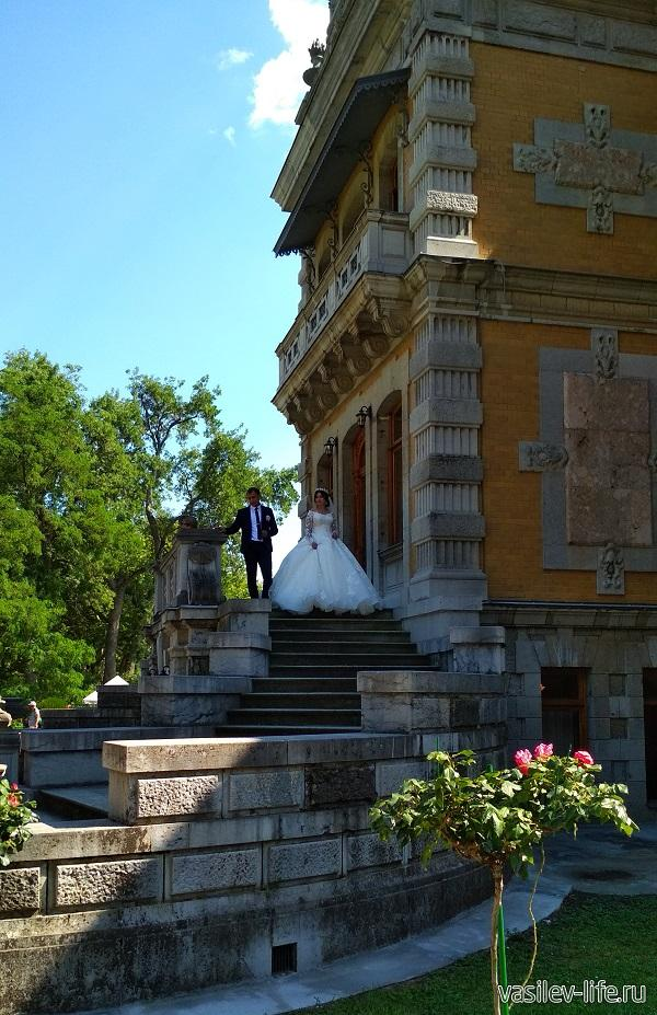 Здесь проводят свадьбы