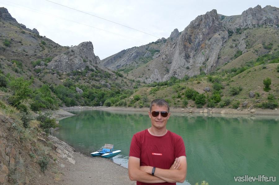 Изумрудное озеро в Зеленогорье (2)