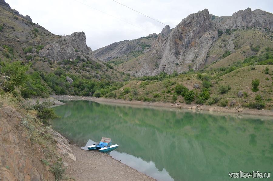 Изумрудное озеро в Зеленогорье