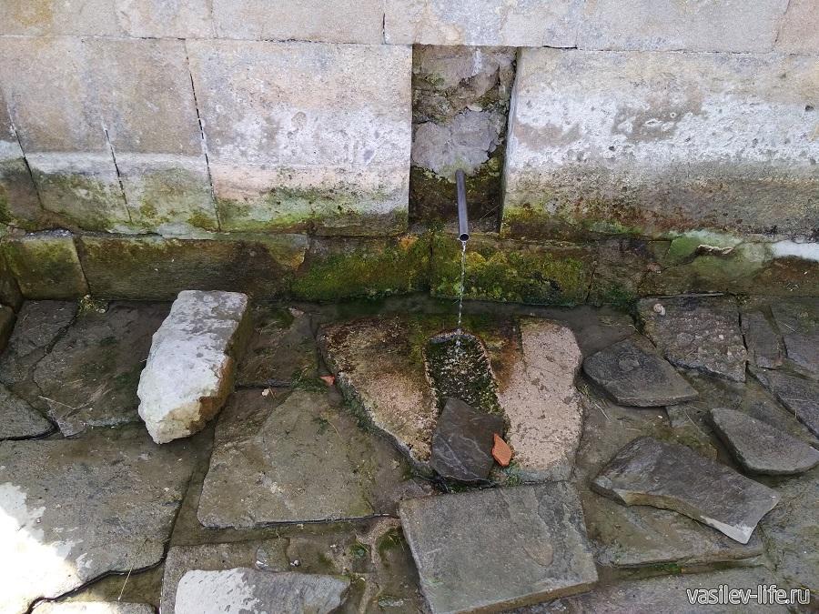 Источник воды в Феодосии (2)