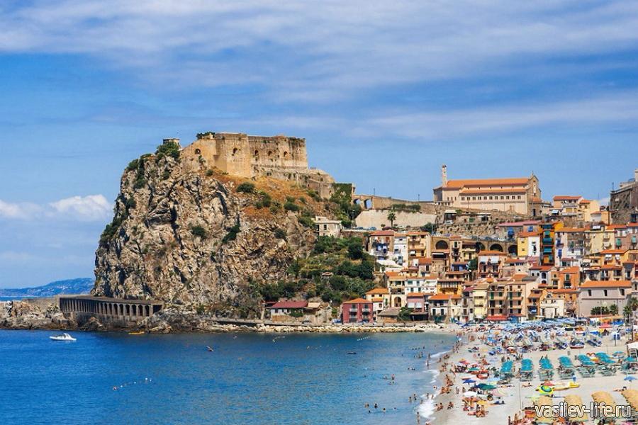 Италия в августе, Сицилия