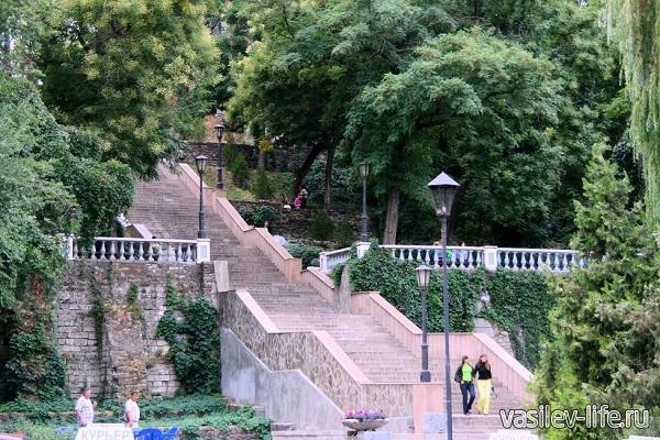 Каменная-лестница-в-Таганроге.
