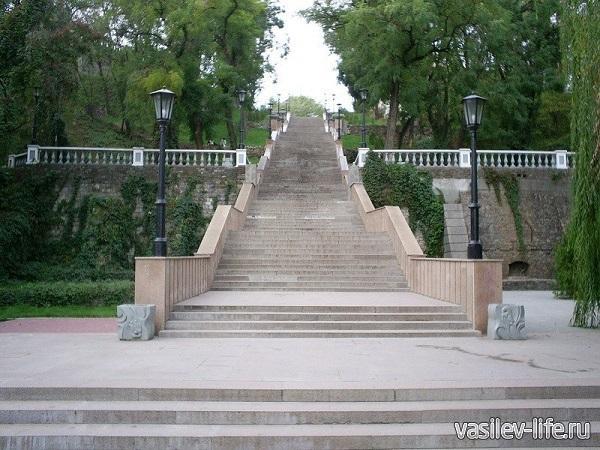 Каменная-лестница-в-Таганроге