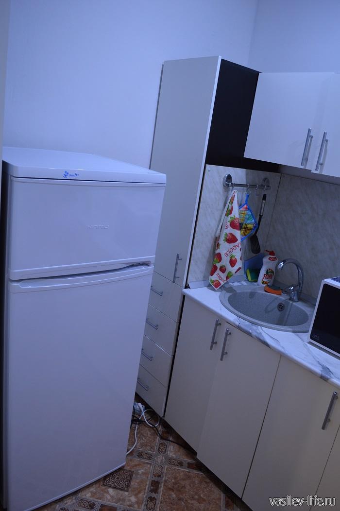 Квартира-посуточно-в-Адлере-кухня