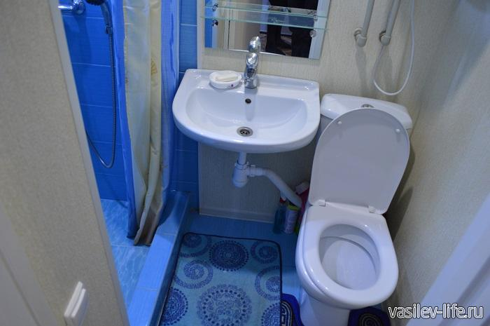 Квартира-посуточно-в-Адлере-туалет-и-душ