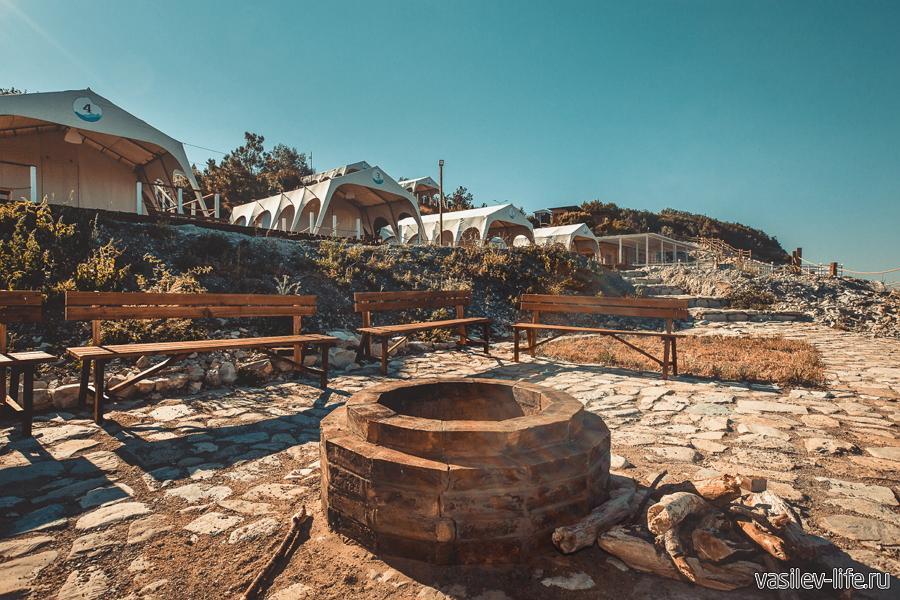 Кемпинг «Скала» в Кабардинке