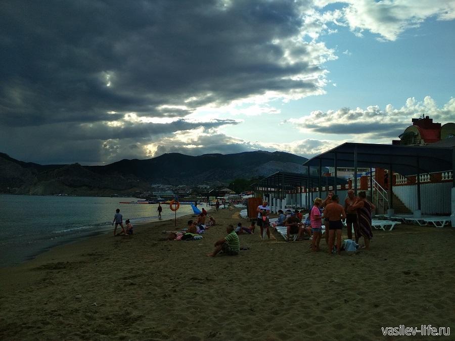 Колхозный пляж в Судаке (13)