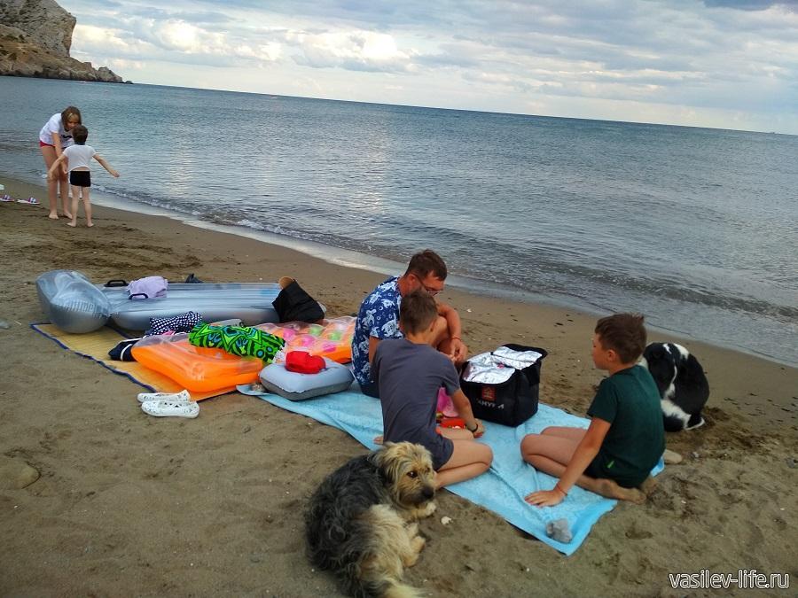 Колхозный пляж в Судаке (9)