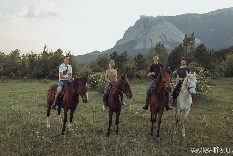 Конные прогулки в Ялте, над Гаспрой