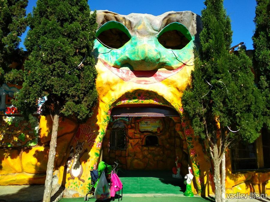 Контактный зоопарк в Судаке