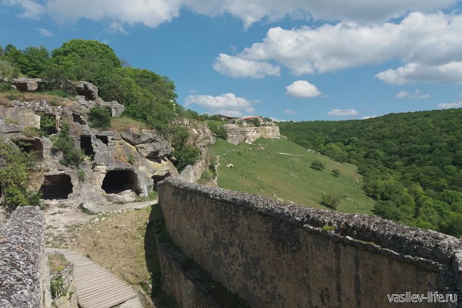 Крепость Чуфут-Кале в Бахчисарае