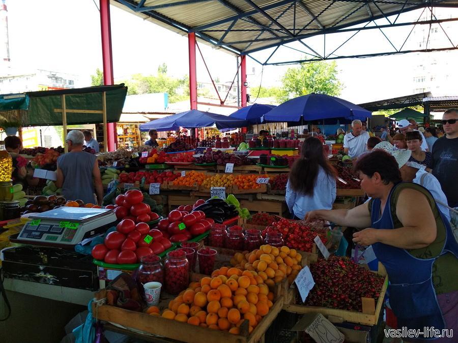 Крымский рынок в Феодосии