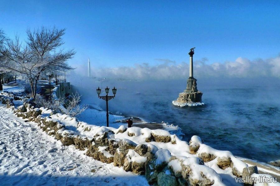Крым в январе, заснеженный Севастополь