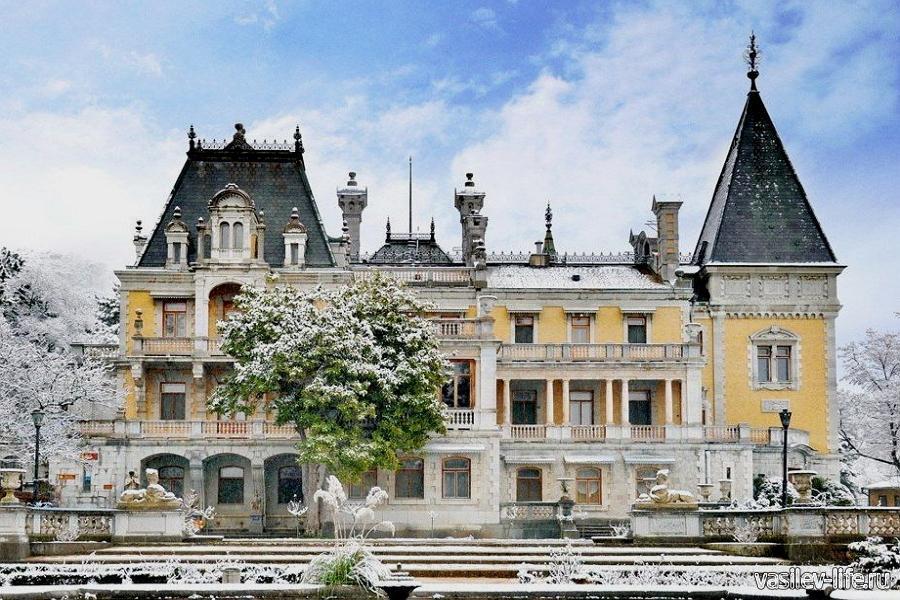 Массандровский дворец в январе