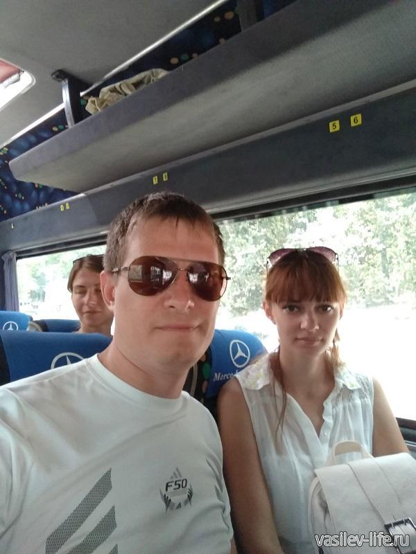 Микроавтобус на котором мы поднимались на Ай-Петри (400 рублей с человека)