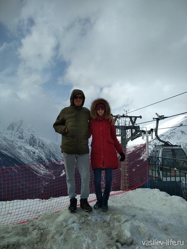 Мы с Ульяной на горнолыжном курорте Домбай