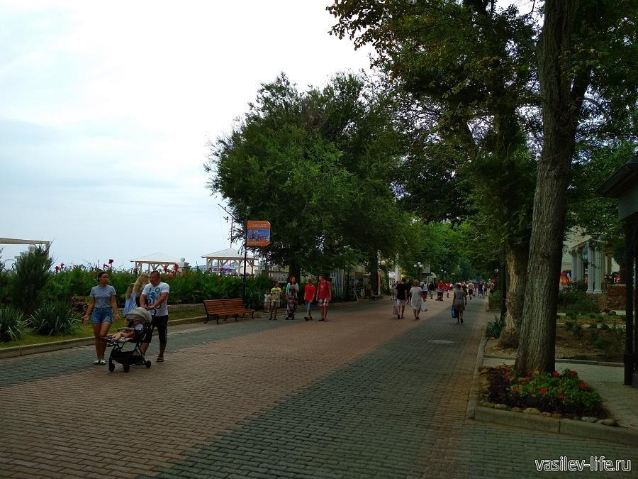 Набережная имени Горького в Евпатории (3)