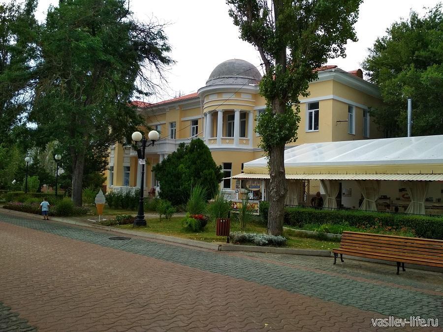 Набережная имени Горького в Евпатории (8)