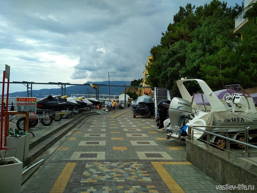 Никитский пляж в районе гостевого дома Сон у моря (12)