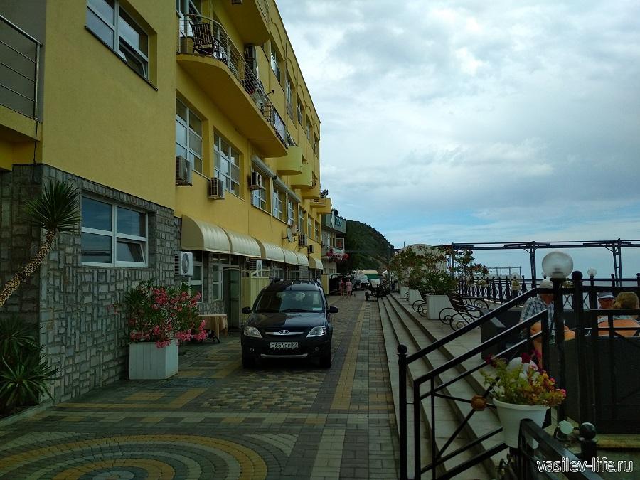 Никитский пляж в районе гостевого дома Сон у моря (18)