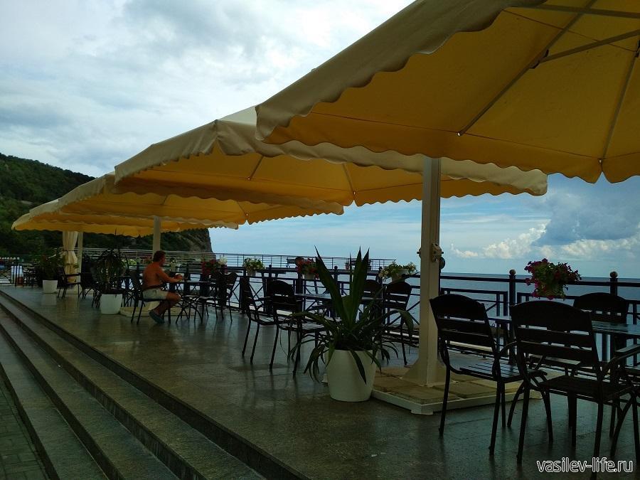 Никитский пляж в районе гостевого дома Сон у моря (19)