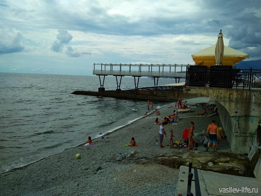 Никитский пляж в районе гостевого дома Сон у моря (9)