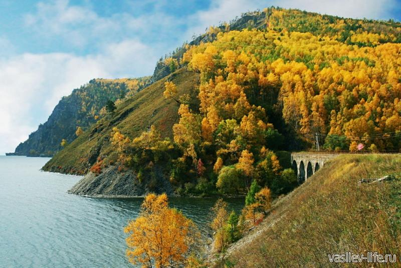 Озеро Байкал осенью