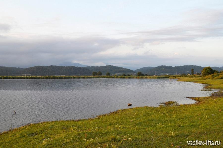 Озеро Инкит в Пицунде в сентябре